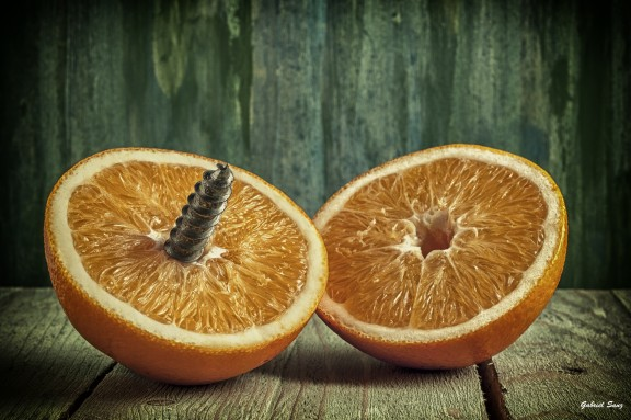 Screwed orange